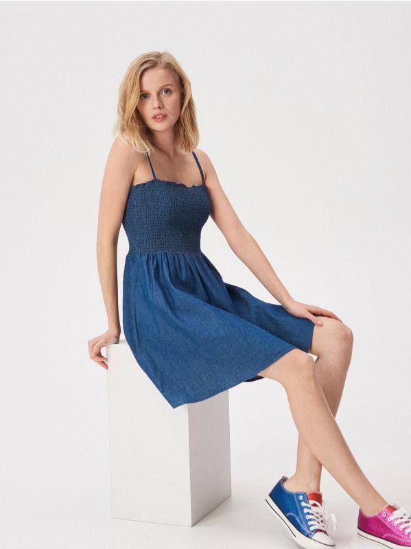 32592cf808 Džínsové šaty · Džínsové šaty na tenké ramienka - tmavomodrá - VP261-59J -  SINSAY